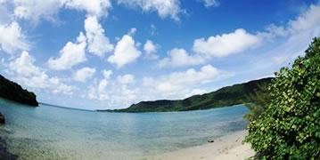 ダイビングショップ前の石垣島の海